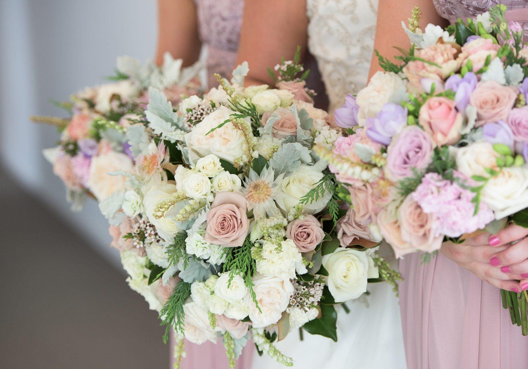 wedding-flowers-2051724_1920